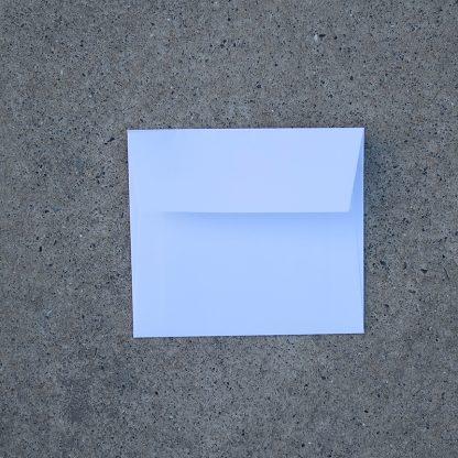 Vals vierkant envelop formaat 125x140 mm wit