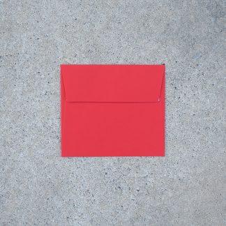 Vals vierkant envelop formaat 125x140 mm rood