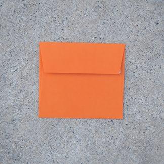 Vals vierkant envelop formaat 125x140 mm oranje